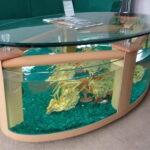 Овальный журнальный столик — аквариум