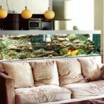 Аквариум разделяет кухню и зону отдыха
